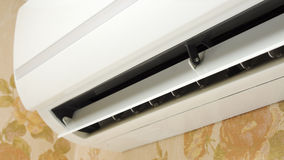 Airconditioner in huis binnenlandse dichte omhooggaand Stock Foto