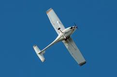 Aircralft ultraleve contra o céu azul Imagens de Stock Royalty Free