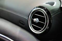 Aire acondicionado en un coche foto de archivo
