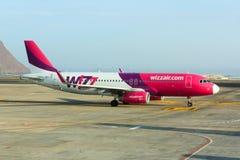 Aire Airbus A320 de Wizz Fotos de archivo libres de regalías