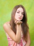 Aire-besar a la muchacha adolescente de pelo largo Imagen de archivo libre de regalías