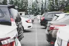 Aire de stationnement avec la rue photos libres de droits