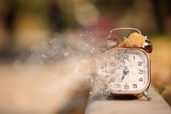Aire libre del despertador el día del otoño foto de archivo libre de regalías