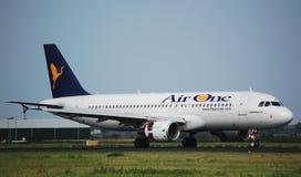 Aire un Airbus 320 Foto de archivo