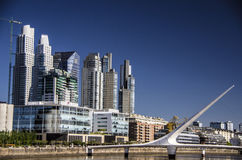 aires Argentina buenos target722_1_ pejzaż miejski skupiają się madero puerto Zdjęcia Stock