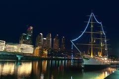 aires puerto νύχτας madero buenos της Αργεντινή&sig Στοκ εικόνα με δικαίωμα ελεύθερης χρήσης