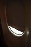 Airlane próximo da janela Fotografia de Stock
