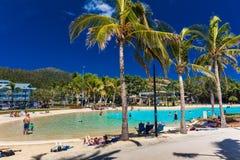 AIRLIE-STRAND, AUS - SEPT 20 2017: En dag på lagun i Airlie Royaltyfria Foton
