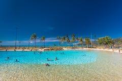AIRLIE-STRAND, AUS - SEPT 20 2017: Lagun i den Airlie stranden, Qu Royaltyfria Bilder
