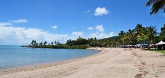 Airlie-Strand ist ein extrem populärer touristischer Bestimmungsort in der Pfingstsonntagsinseln-Region von Queensland, Australie Lizenzfreies Stockbild