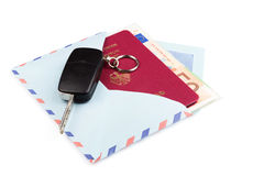 Airmail kopertę z podróż pieniądze i paszportem Zdjęcia Royalty Free