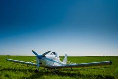 Airpale onder blauwe hemelen Royalty-vrije Stock Foto's
