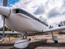 Airplain jet privado, exposición en Riga imagenes de archivo