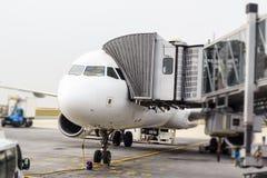 Airplaine在CDG机场,巴黎 图库摄影