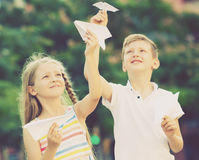 Airplaines de papel das crianças Fotos de Stock Royalty Free