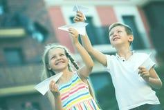 Airplaines de papel das crianças Fotografia de Stock