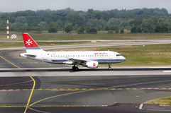 Airplane Airbus A319-111 of Air Malta Royalty Free Stock Images