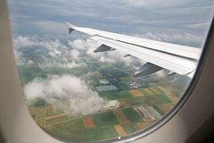 Airplane Descending Royalty Free Stock Images