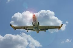 Airplane flying Royalty Free Stock Photos