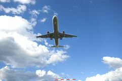Airplane landing at Frankfurt Airport Stock Photography