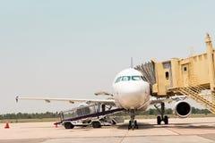 Airplane preparing to flight Royalty Free Stock Photography