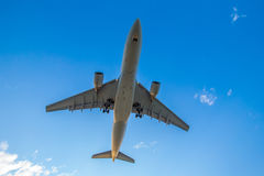 Airplane ready for landing Royalty Free Stock Photos