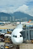 Airplanes maintian in Hongkong Airport Royalty Free Stock Photography