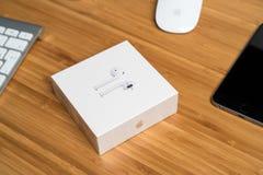 AirPods draadloze hoofdtelefoons Stock Foto