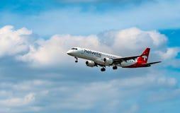 AIRPORT FRANCOFORTE, GERMANIA: 23 GIUGNO 2017: Fokker 100 Helvetic Ai Immagini Stock