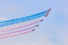 Airshow über Abu Dhabi, UAE Lizenzfreie Stockbilder