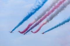 Airshow über Abu Dhabi, UAE Lizenzfreie Stockfotos