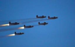 Airshow στη νύχτα στοκ φωτογραφίες με δικαίωμα ελεύθερης χρήσης