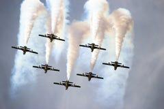 Airshow Aerobatic dos UAE Team Al Fursan Imagem de Stock Royalty Free