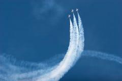 airshow F-16飞行雷鸟 免版税库存照片