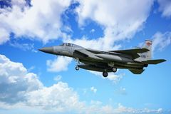 Airshow mit Jets und Hubschraubern stockbild