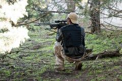 Airsoft狙击手射击 免版税库存图片