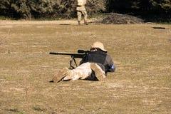 Airsoft狙击手射击 免版税图库摄影