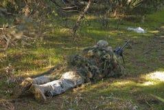 Airsoft狙击手 免版税库存图片