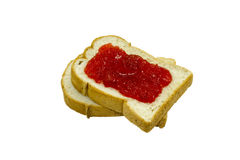 Aislado dos rebanadas de pan con la mermelada de fresa Fotografía de archivo libre de regalías