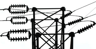 Aisladores de la línea eléctrica imagenes de archivo