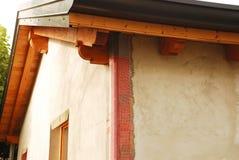 Aislamiento de la pared exterior del EPS con la malla de la esquina Imagen de archivo