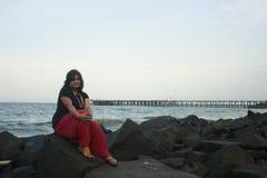 Aislamiento y soledad de una mujer india Foto de archivo libre de regalías