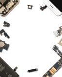 Aislante de los componentes de Smartphone en blanco imagen de archivo libre de regalías