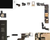 Aislante de los componentes de Smartphone en blanco imagen de archivo