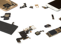 Aislante elegante de los componentes del teléfono en el fondo blanco imagen de archivo libre de regalías