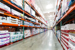 Aisle in a Costco store with napkins, towels and other paper products Royalty Free Stock Photos