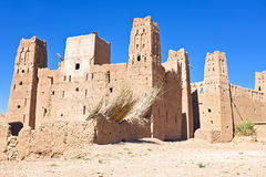 Ait在瓦尔扎扎特摩洛哥附近的本Haddou被加强的镇  库存照片