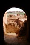 Ait Ben Haddou Through Arch, Marocco Immagine Stock Libera da Diritti