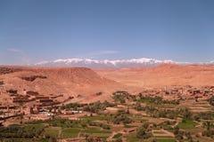 Ait Benhaddou和高阿特拉斯山脉 库存照片