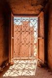 Ait Benhaddou Kasbah da opinião de assoalhos superiores, Marrocos Fotografia de Stock